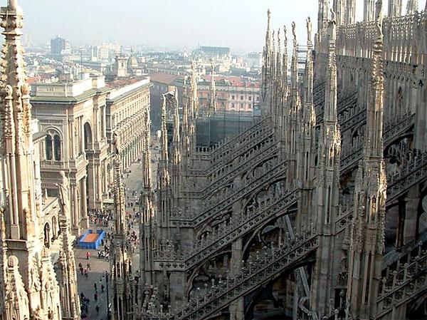 Поиск дешевых авиабилетов в Милан по базе спецпредложений авиакомпаний, поиск отеля