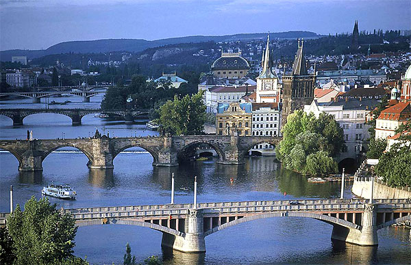 Поиск дешевых авиабилетов в Прагу, купить билет на самолет в Прагу